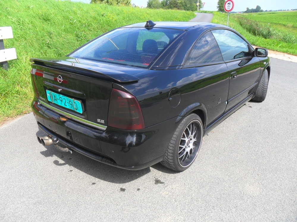 OPEL COUPE 2.2 004