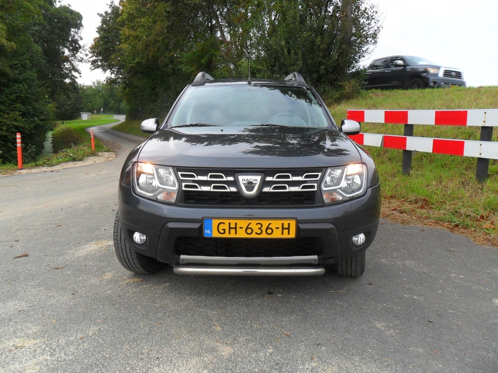 W POMP CADDY EN DACIA PETER DE K 015